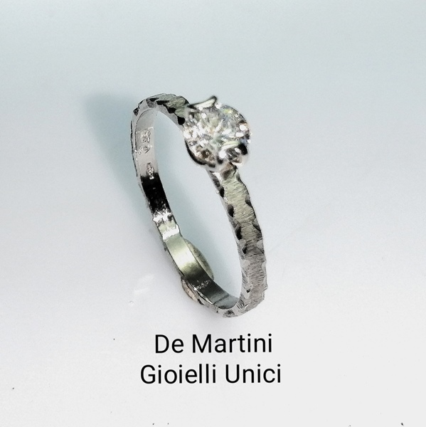 ANELLO SOLITARIO BRILLANTE DEMANTITE